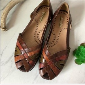 EARTH Brown Leather Strap Boho Colorful Sandals 7